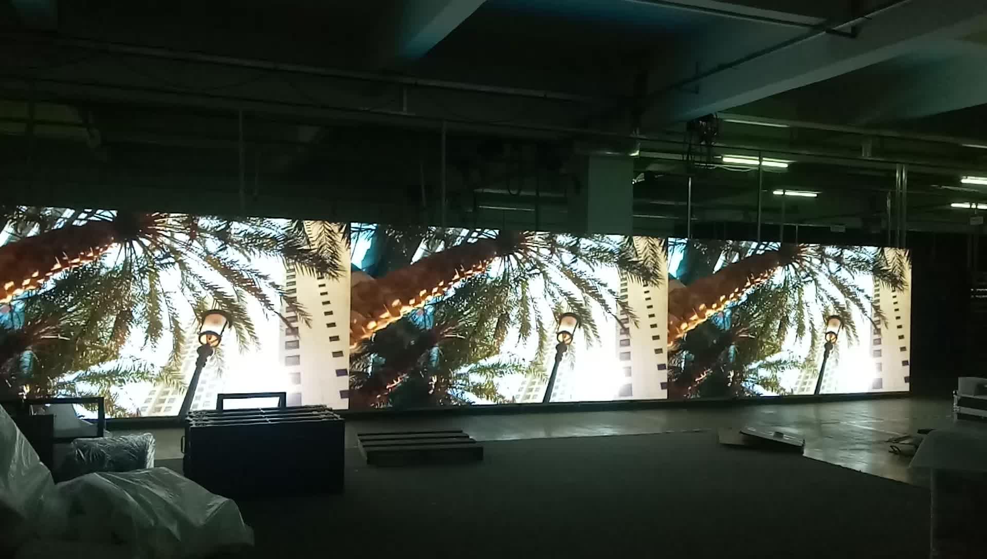 الإعلان شاشة P3.91 الشاشة ضئيلة حار المنتج أدى العرض