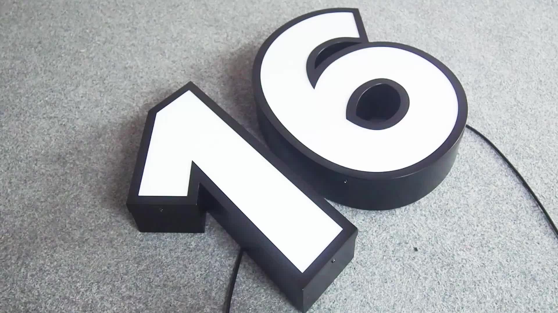 Grande de alumínio canal de metal em relevo letras e números