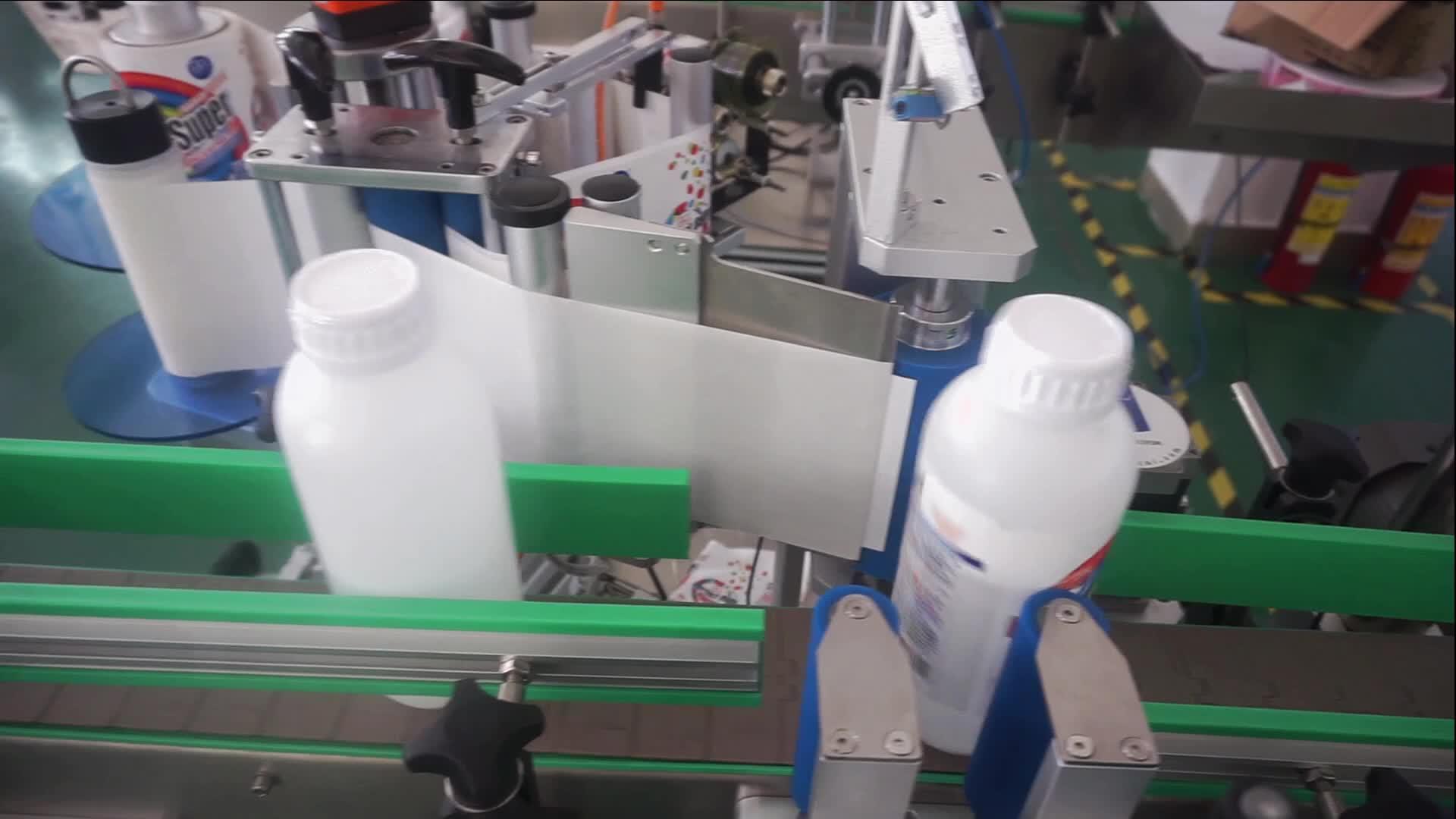 Precio de fábrica, máquina automática botella redonda máquina de etiquetado para galón botella de vino rojo Cubo de pintura cubo latas frascos etiquetado