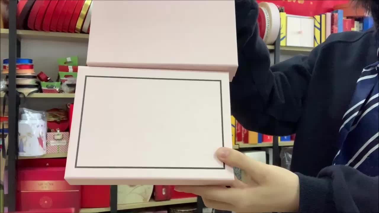 Personalized in stock baby pink magnetic folding gift packaging box
