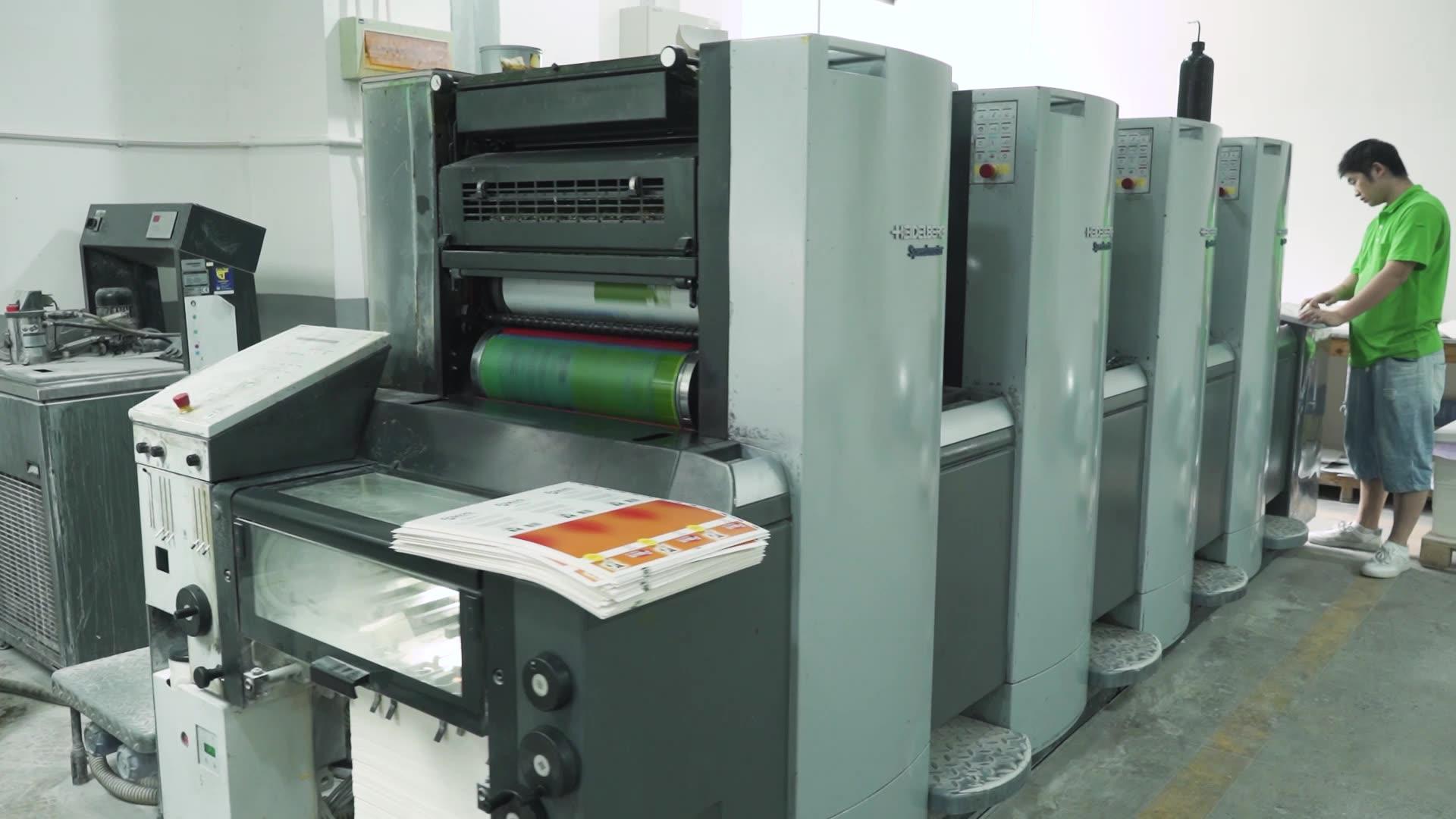 Factory Custom Goedkope Wit Papier Doos Goedkope Eenvoudige Kartonnen Kalfsleer Karton En Kleine Witte Doos