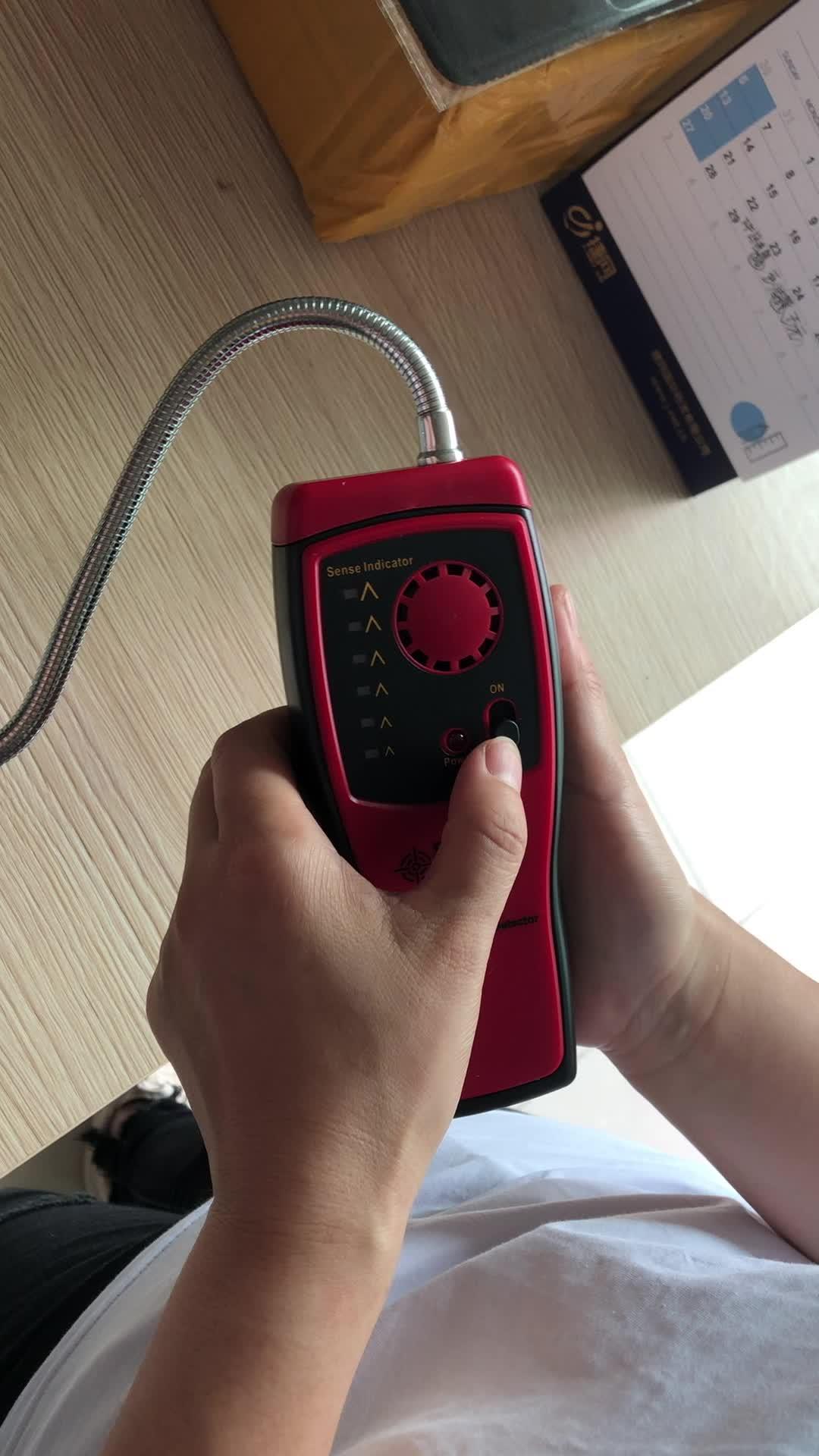 Mini Gaz Analizörü Otomotiv El Ses Işık ile Yanıcı Gaz Dedektörü Alarm