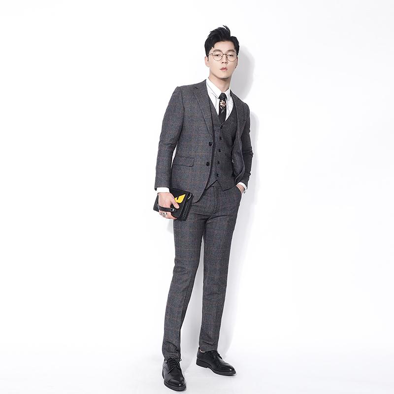 Bộ đồ kẻ sọc pha trộn len của Kawasawa Anh ba mảnh nam nhẹ kinh doanh mỏng màu đỏ đậm lưới phù hợp với thanh niên - Suit phù hợp