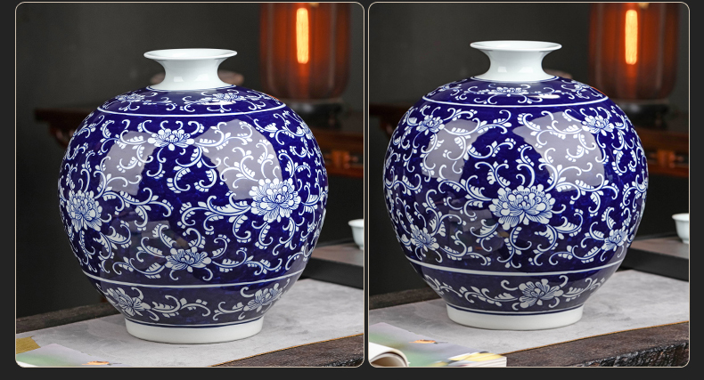 Antique vase of blue and white porcelain of jingdezhen ceramics large furnishing articles classical Chinese hand - made home sitting room adornment