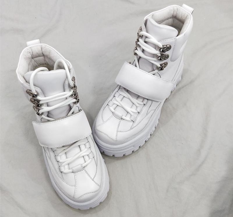 一款适合冬天穿的小白鞋,时尚又有个性7