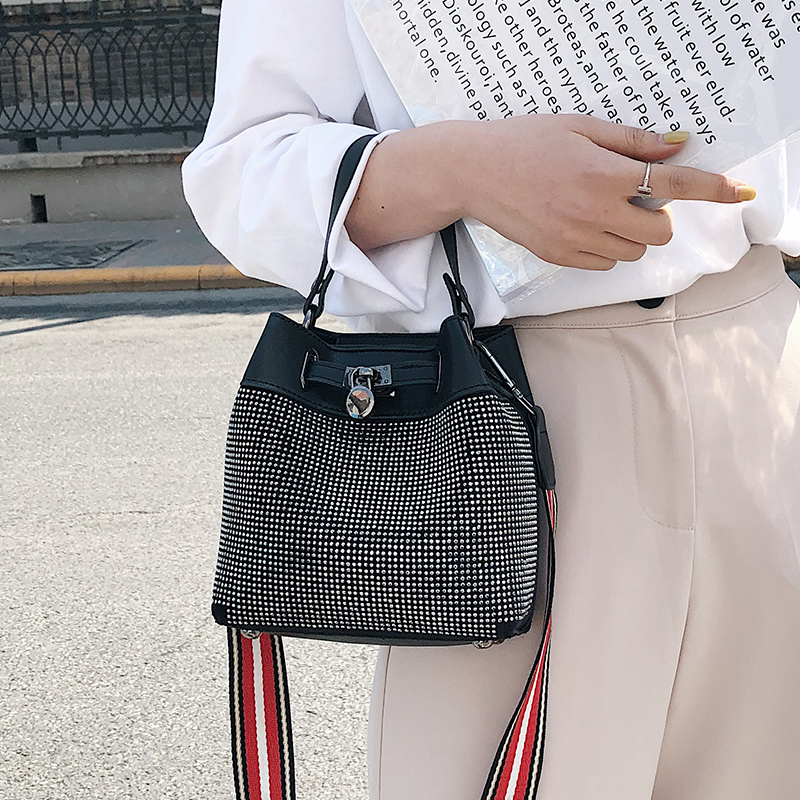 French niche bag, foreign air bucket bag, female bag, new 2019 high-grade  slant satchel bag, ins handbag, bag, bag