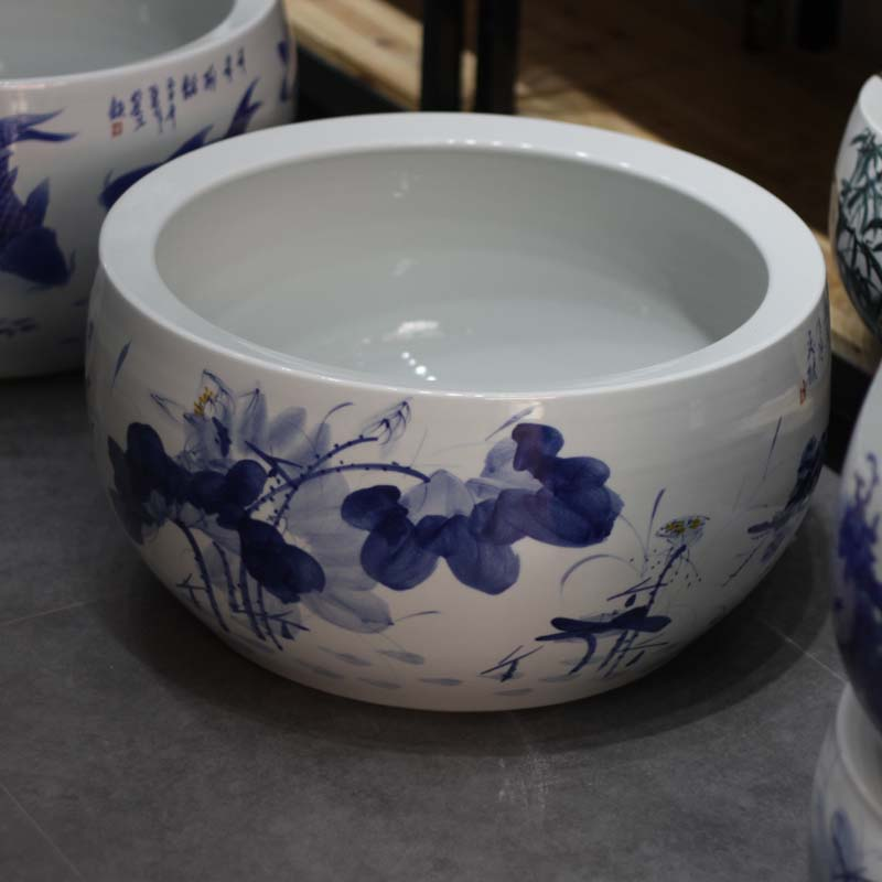 Jingdezhen blue and white lotus hand - made ceramic blue and white peony writing brush washer from small fish, small tea set writing brush washer