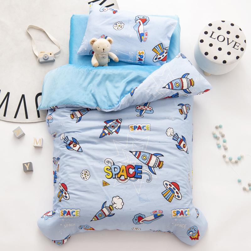 Bộ phim hoạt hình mùa đông mẫu giáo quilt bộ ba hoặc bốn bộ chăn ga gối cotton dày cho bé - Bộ đồ giường trẻ em