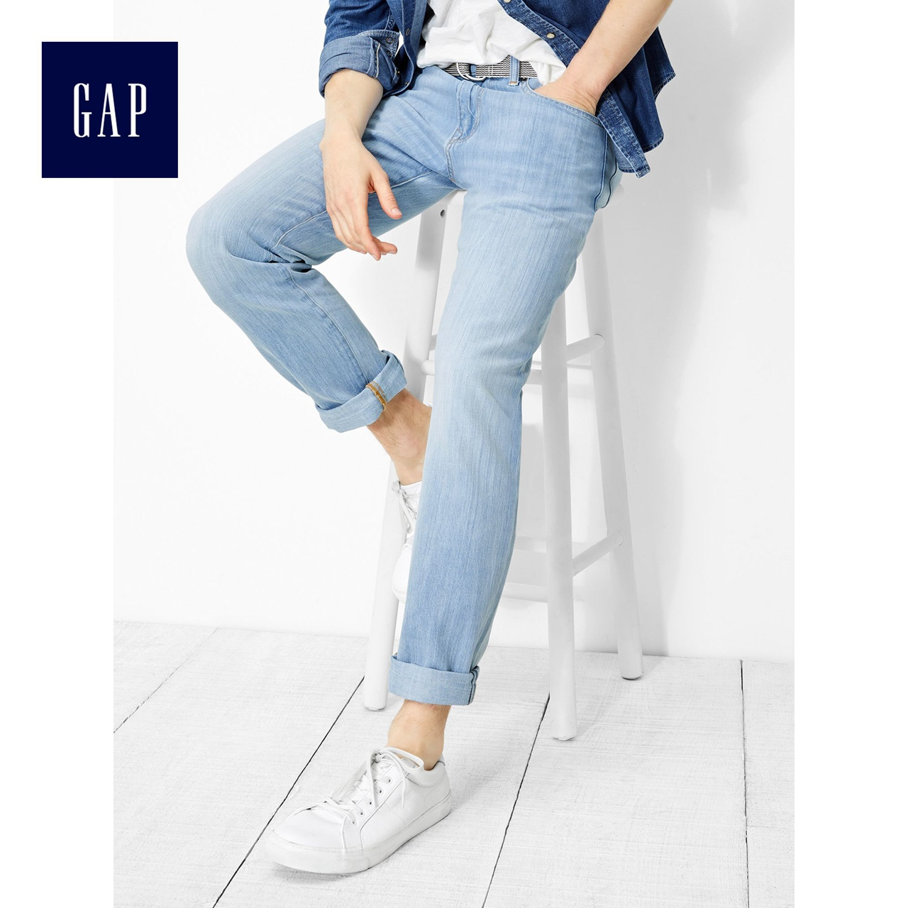 Gap men's comfortable lightweight stretch straight jeans 723416