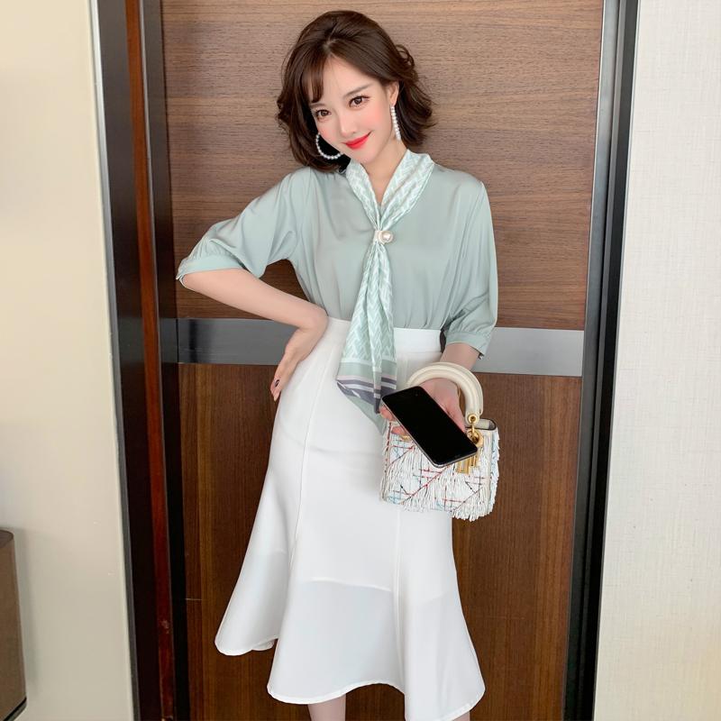 MIUCO in hạt khóa rung cánh đèn lồng tay áo thanh lịch khí chất rắn màu áo nữ 2020 hè mới - Cộng với kích thước quần áo