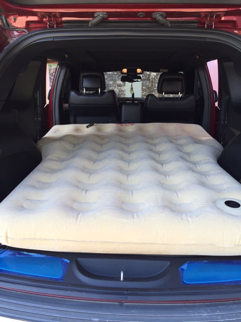 Guide S Wrangler Car Carrier Inflatable Mattress In Rear