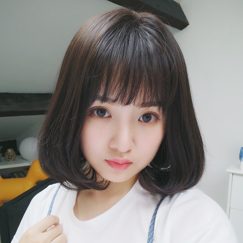 Short Curly Hair With Bangs Girls 53