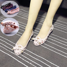 19 summer new ladies hollow sandals lazy sets of feet flat bottom pregnant women shoes comfortable wild soft bottom plastic mother shoes