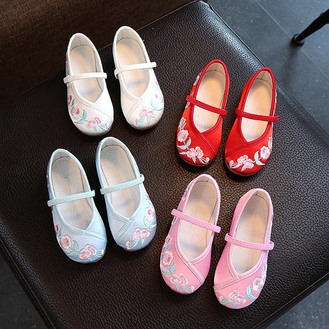 儿童绣花鞋老北京布鞋女 小孩手工布鞋复古中国风古装布鞋舞蹈鞋