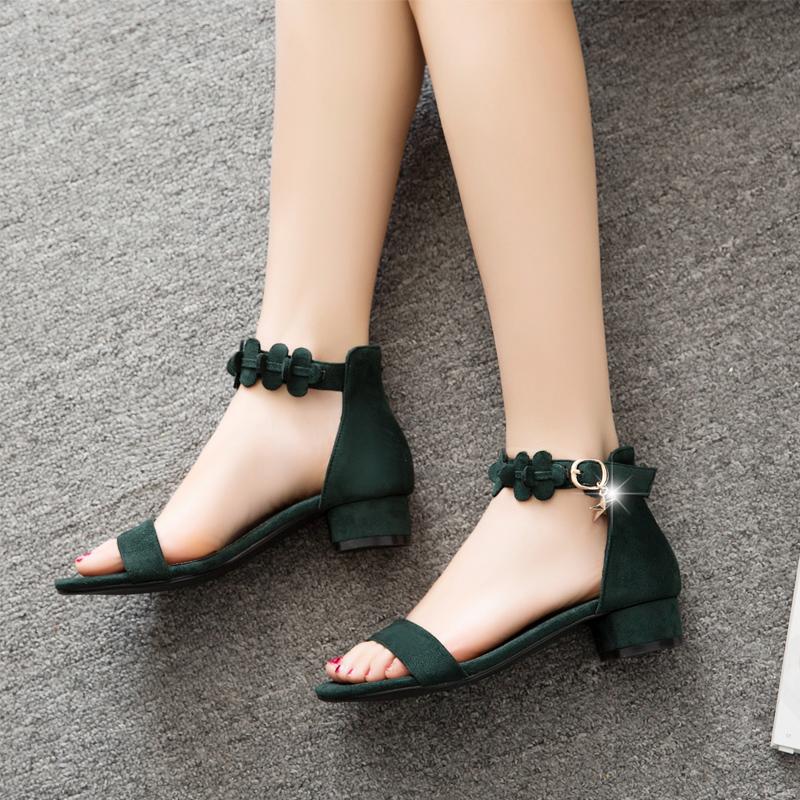 女生凉鞋高跟鞋外企着装女孩图片