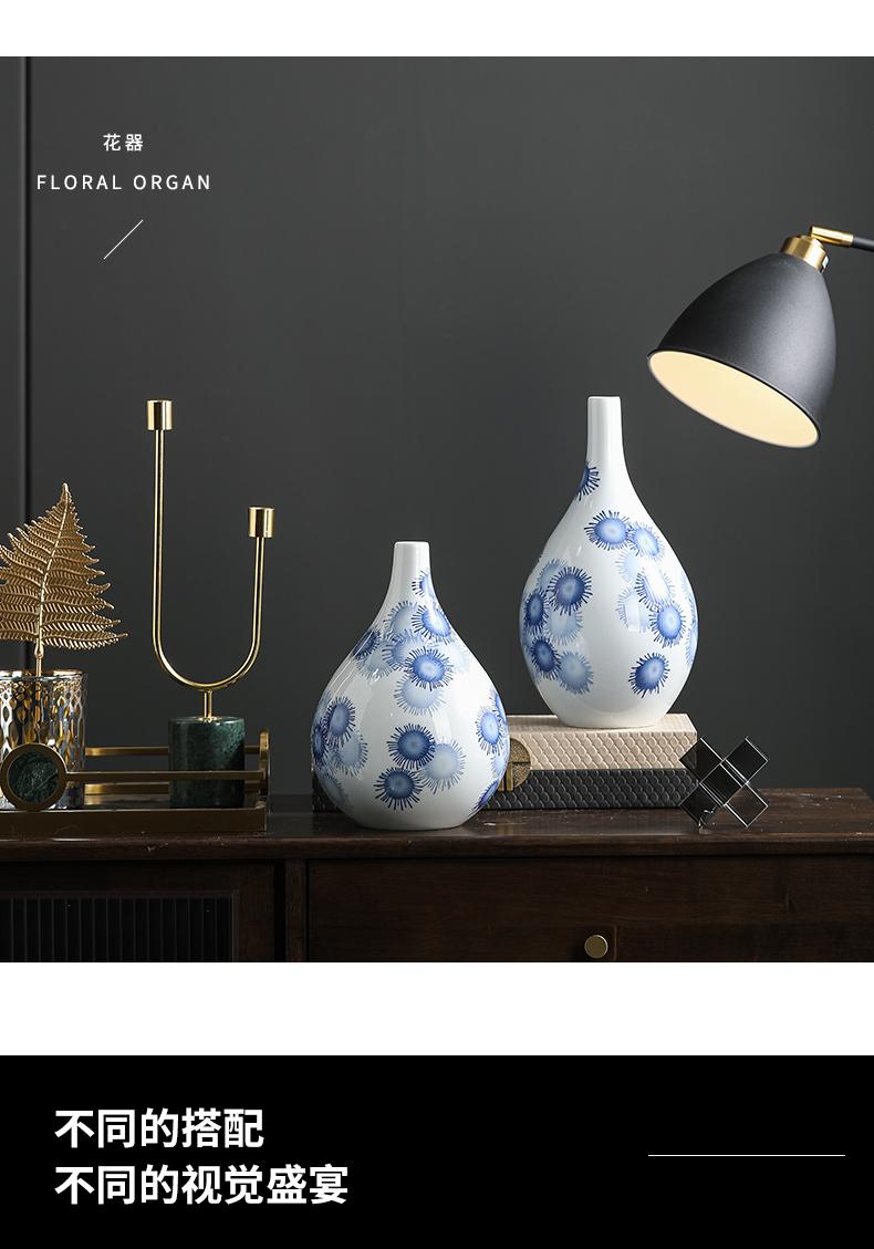 Jingdezhen rain tong household heat household minimalist designer tattoo art ceramic vase of blue and white porcelain vase