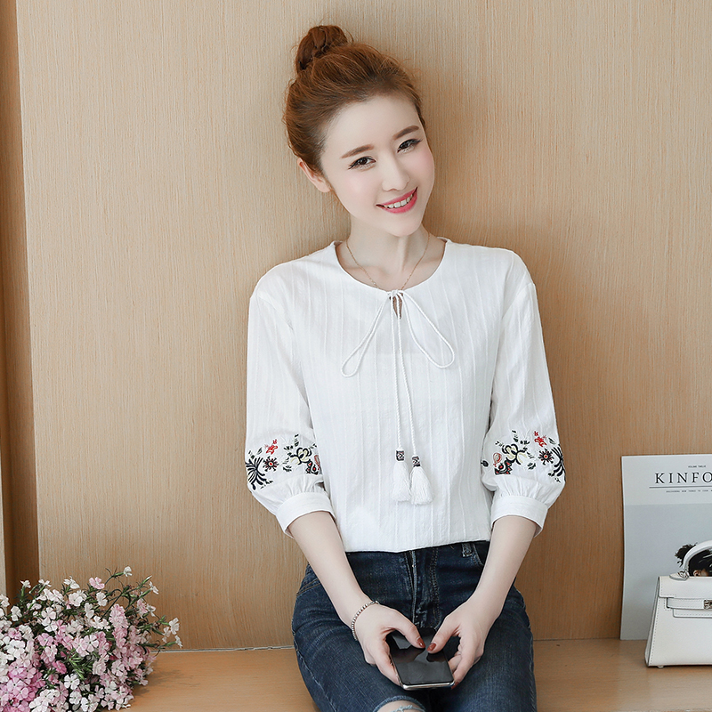 de4a169eafb 2018 summer women s embroidery flower half sleeve cotton and linen shirt  round neck fringed lace loose thin short-sleeved linen jacket