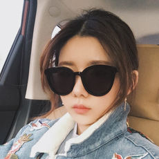 Ins sunglasses female Korean version of the tide sunglasses 2019 black net red with the same paragraph gm sunglasses street beat polarizer