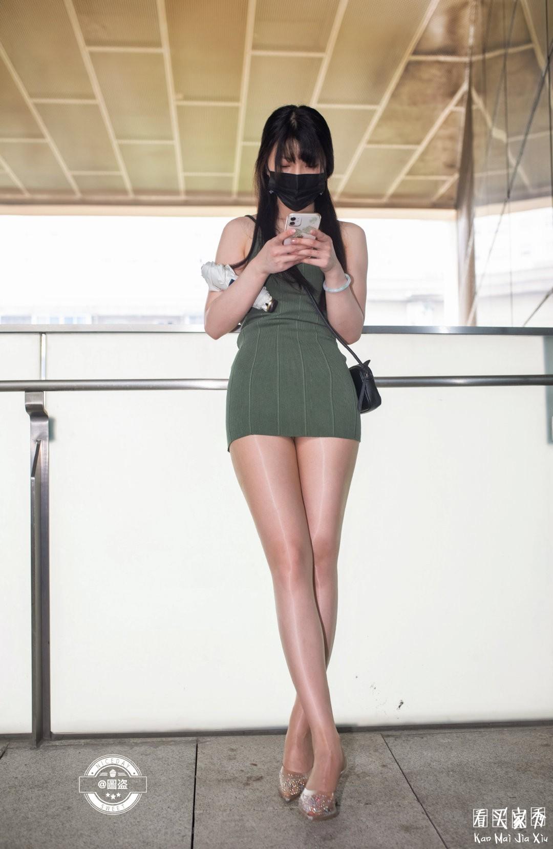 [街拍美女]包臀裙配肉丝袜,有种说不出的感觉2