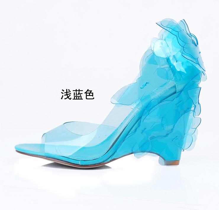 Цвет: Светло-голубой цвет