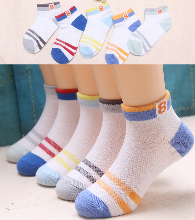 FIVE PAIRS OF SUMMER 8 WORD SPORTS BOAT SOCKS