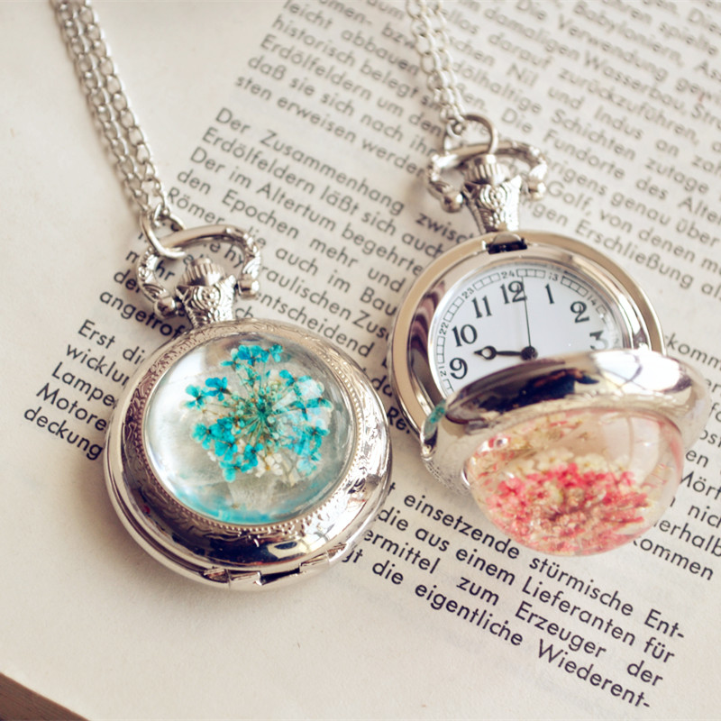 Gypsophila Flower Hanging Table Nurse Pocket Watch Flip Sweater Chain Necklace Female Couple Girlfriends Birthday Gift Ideas