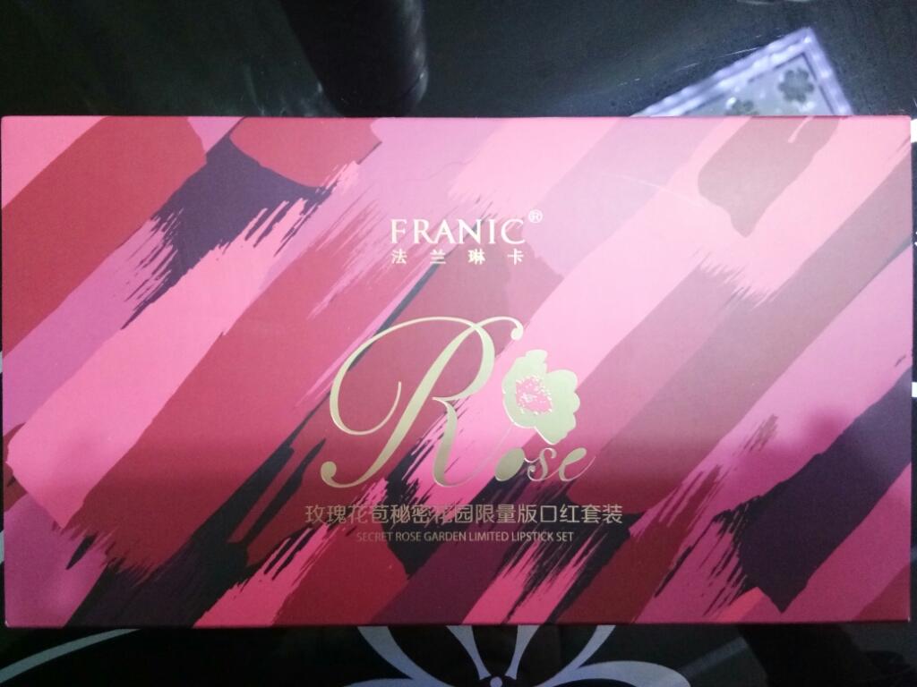 Franic/法兰琳卡玫瑰秘密花园口红套装内涵6种色号口红,每一只都有一股玫瑰花的香味
