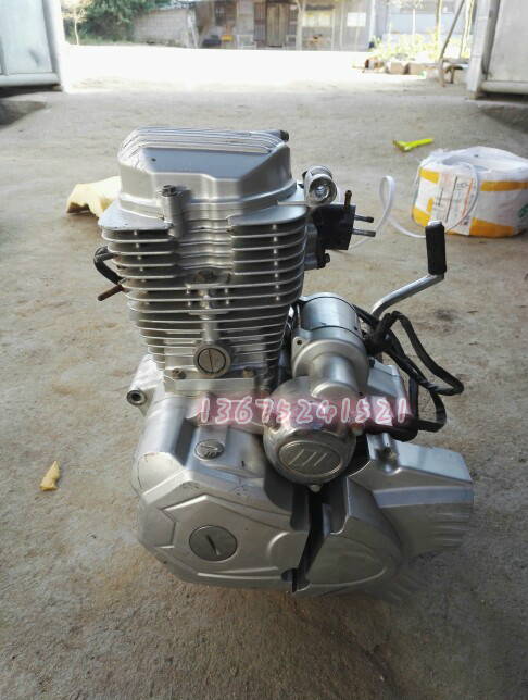 Single cylinder dual exhaust motorcycle 125 150 engine 125 150 can be