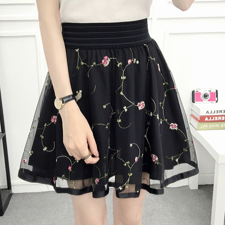EMBROIDERED SMALL FLOWERS BLACK WITH SHORTS