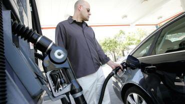 特朗普:汽油价格下跌只是运气吗?这就像另一次减税