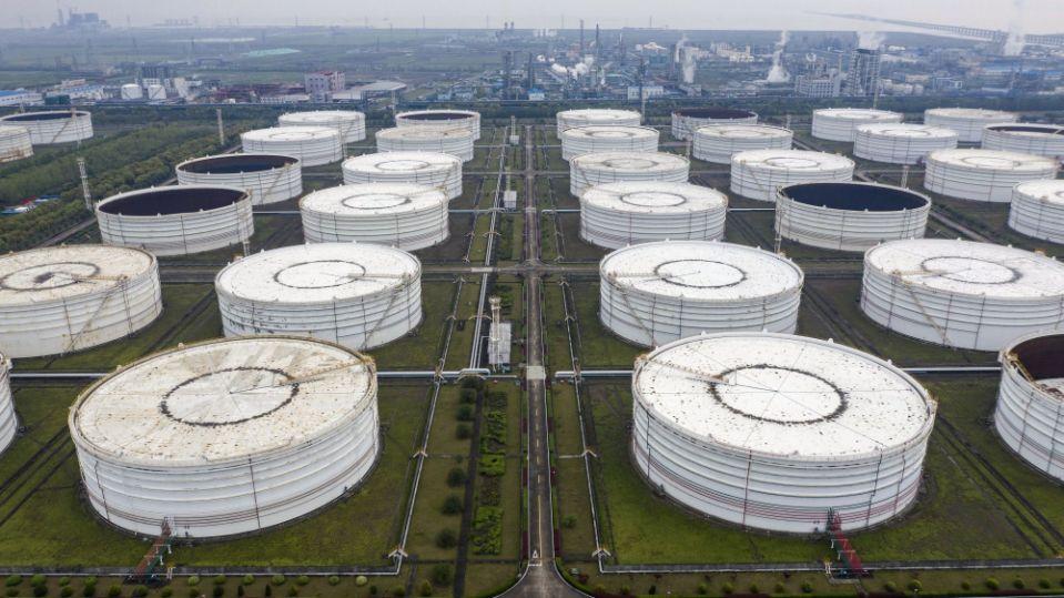 石油市场充满混乱信号,市场参与者开始无所适从