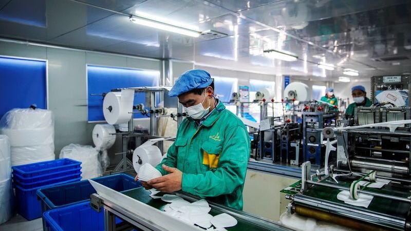 路透调查:9月中国制造业活动将以较快速度增长
