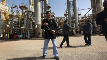 """恐怖分子举行大型会议,计划攻击利比亚""""石油新月"""""""