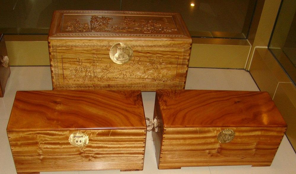 香樟木箱子老料老樟实木箱复古收纳衣箱柜子仿古藏书画箱厂家订制