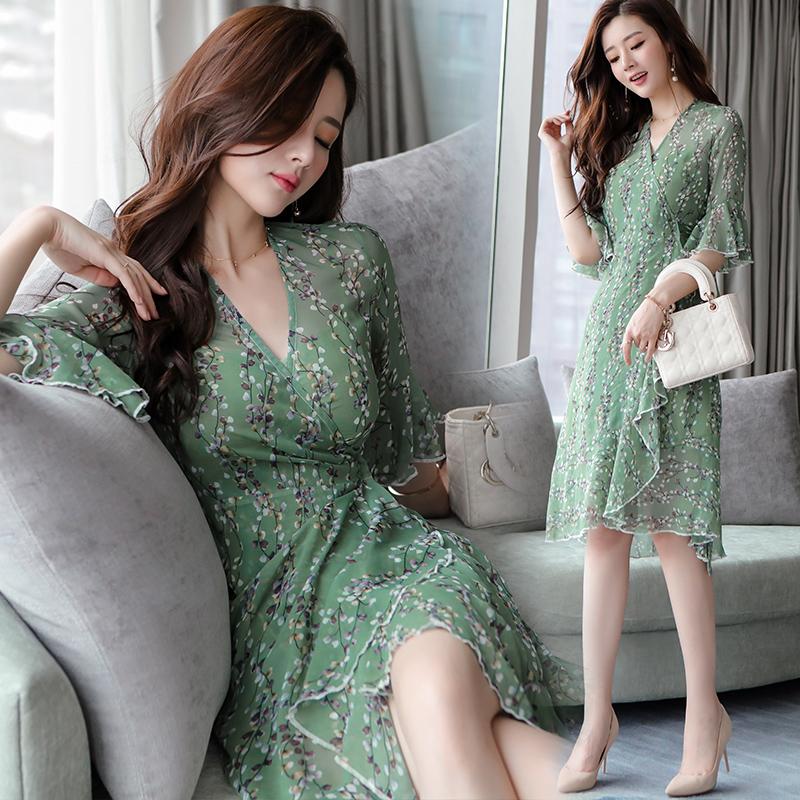 天天特价连衣裙夏女韩版吊带网纱裙子两件套修身显瘦学生碎花套装