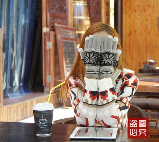 毛线全指手套纯手工编织针织秋冬天季加厚绒保暖女生骑车可爱卡通