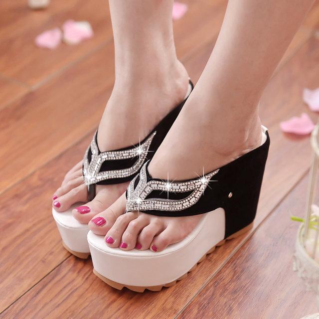 夏季新款坡跟凉女鞋防水台水钻厚底夹趾拖鞋松糕超高跟拖鞋包邮