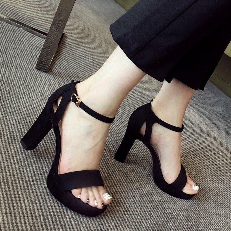 Сандалии женщина шахин модель 2018 сексуальный черный замшевые толстая сандалии толстая корка тонкий водонепроницаемый платформа носок на высоких кабгалстук-бабочкаах