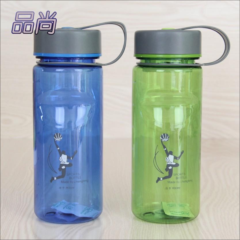 水瓶女学生创意 学生水瓶塑料创意