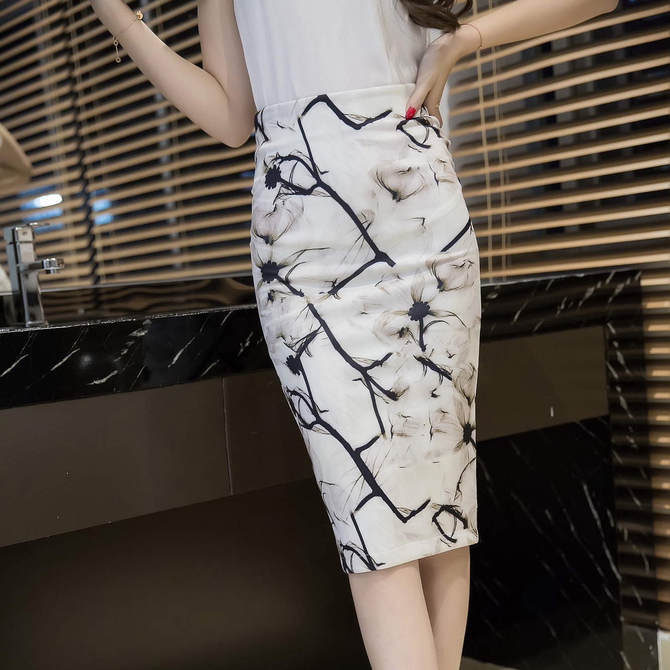 印花高腰半身裙包臀裙春夏秋冬女装修身显瘦碎花中裙一步裙铅笔裙