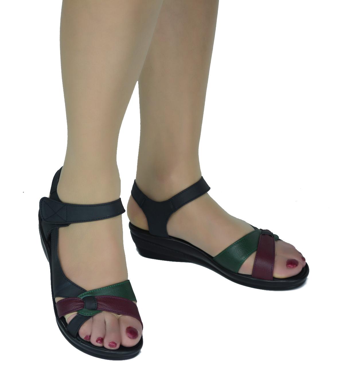 红蜻蜓女装中跟皮鞋_大码红蜻蜓正品女凉鞋夏季新款中老年真牛皮拼色女鞋平跟妈妈皮鞋