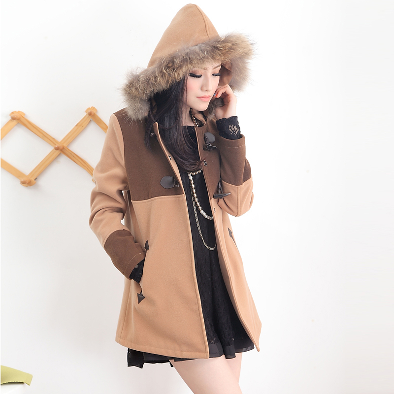 女童蝙蝠衣_2012秋季女装新品日系甜美牛角扣毛毛领呢子大衣中长款外套