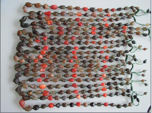 内蒙古阿拉善奇石绿皮老釉瓷皮七彩经脉玛瑙原籽手串手链批发200