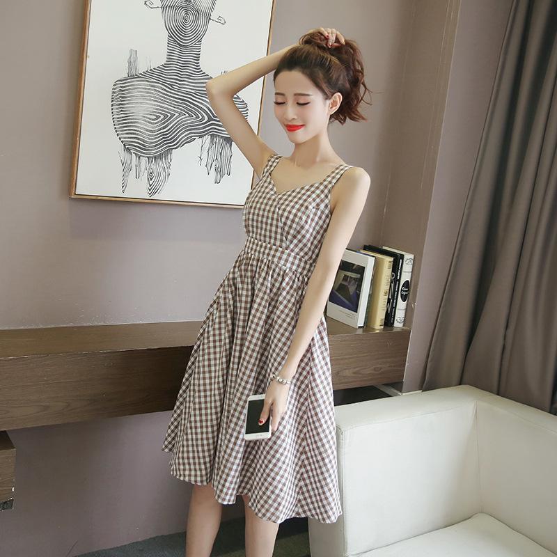 2018夏季新款韩版小清新V领格子背带连衣裙女中长款打底A字吊带裙