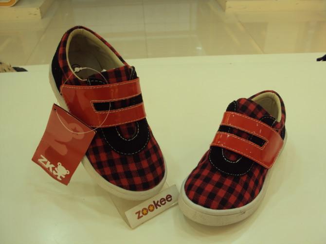 专柜正品ZOOKEE适步鞋 外贸日单格子布鞋 春秋款男童单鞋英伦范