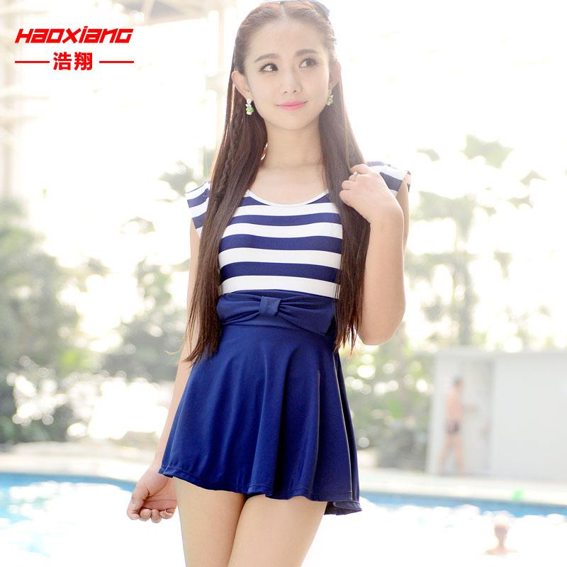 浩翔泳衣 女保守学生连体裙式平角遮肚显瘦泳装 泡温泉小胸游泳衣