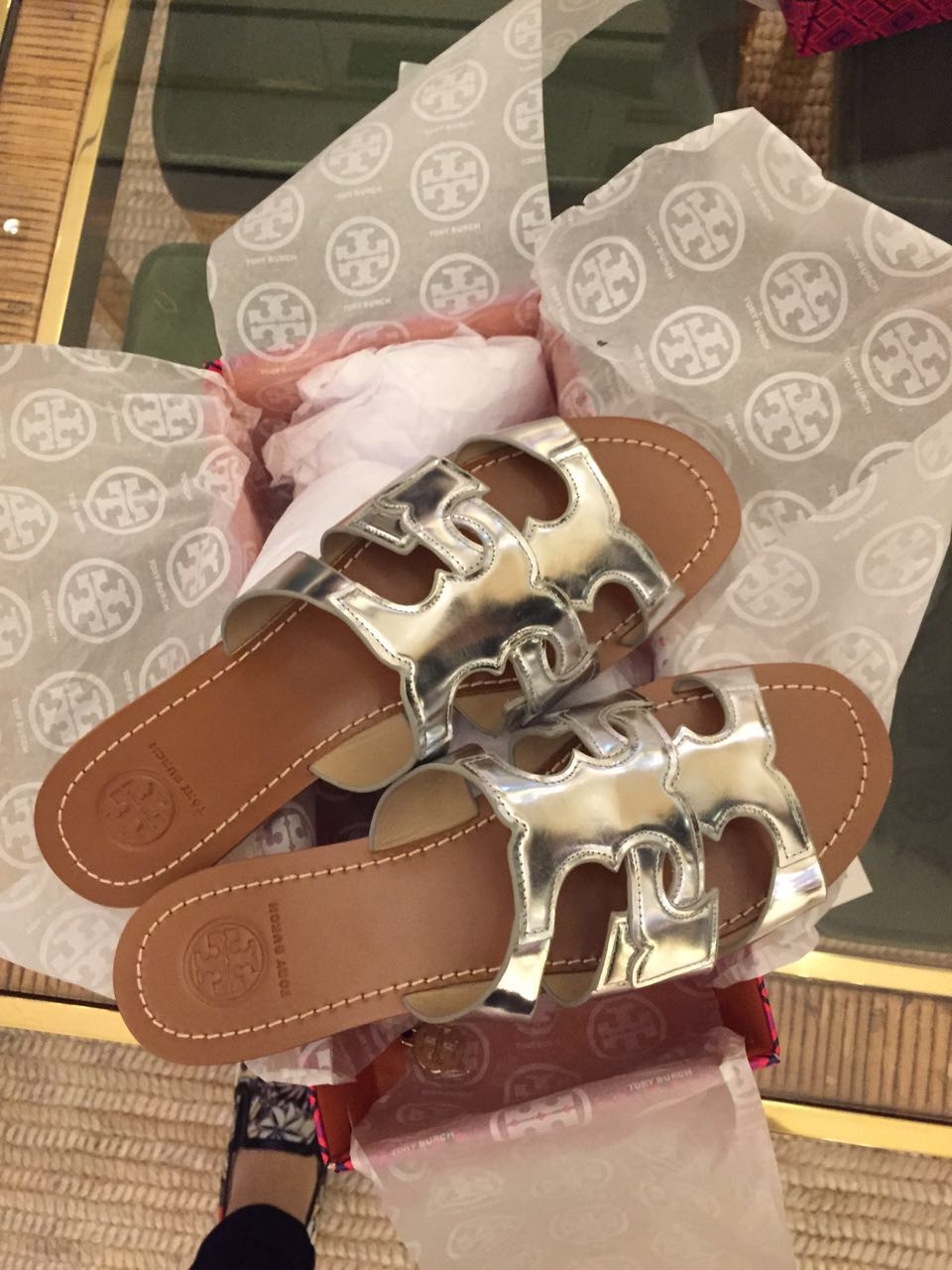 美国留学生代购Tory Burch \u0027Anchor T\u0027 Leather Slide平底拖鞋