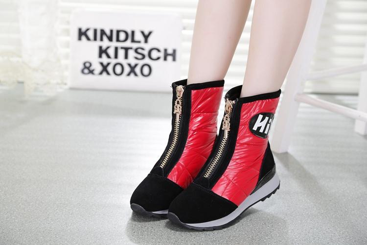 平底冬鞋休闲雪地靴真皮中筒靴韩版羽绒靴保暖防水防滑学生靴女靴