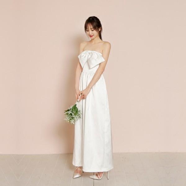 时尚抹胸阔腿裤礼服简约缎面新娘旅拍轻婚纱草坪海边婚礼个性婚纱