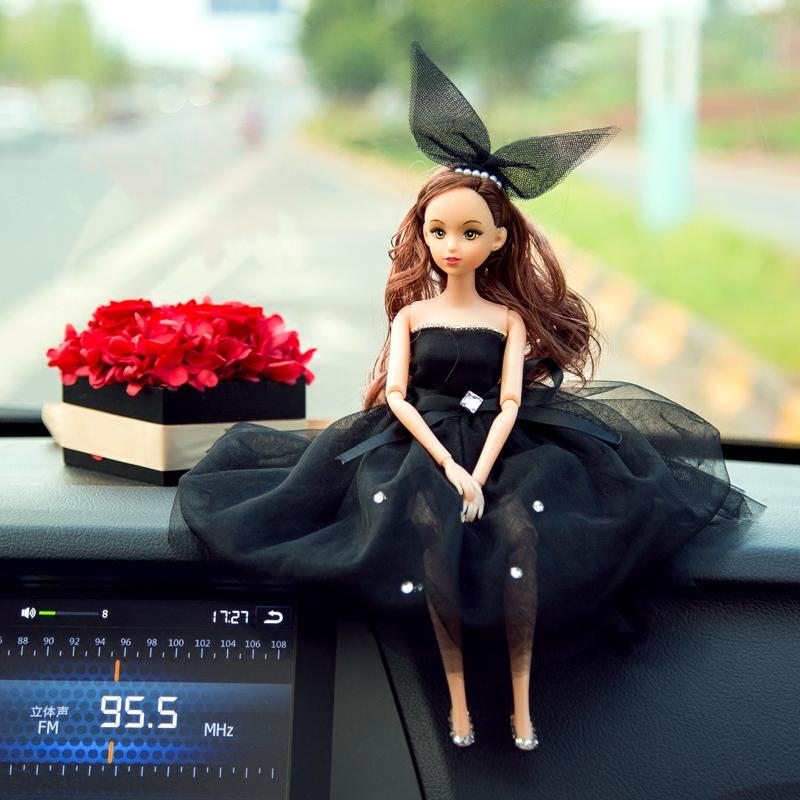 车载高档创意时尚婚纱芭比娃娃车载摆件车载内饰品装饰镶钻女士